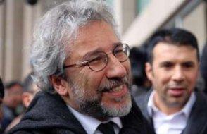 Gazeteciler Can Dündar ile İlhan Tanır için kırmızı bülten kararı