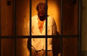 Mahkeme darbeden sonra ilk kez işkencecilerin peşine düştü: Adreslerini istedi