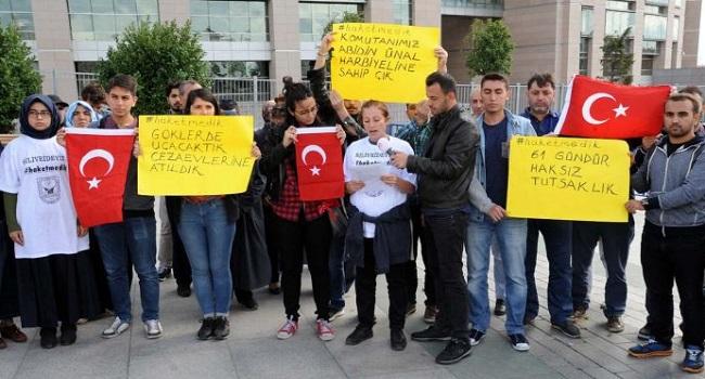 Tutuklu askeri okul öğrencilerinin aileleri İstanbul'da eylem yaptı