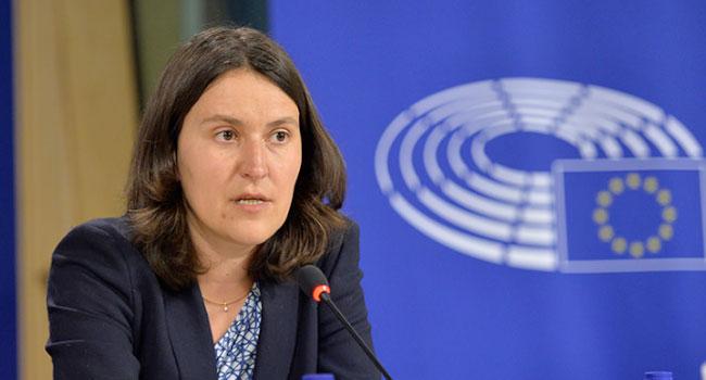 AP Türkiye raportörü yandaş iki gazeteye açık açık yalancı dedi