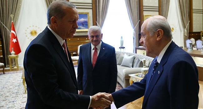 Erdoğan'a yakın vekil MHP liderine aba altından sopa gösterdi