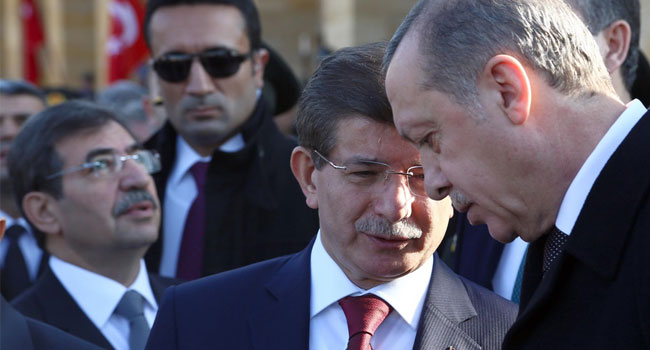 Erdoğancılar-Davutoğlucular savaşı