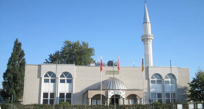 Almanya'da son on günde camilere yedinci saldırı