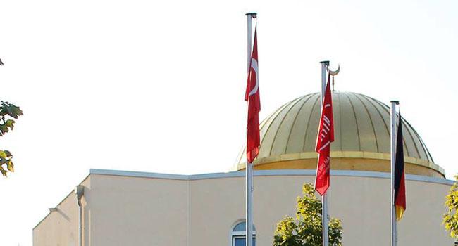 Almanya Türkiye'den gelen imamlara kapısını kapatıyor