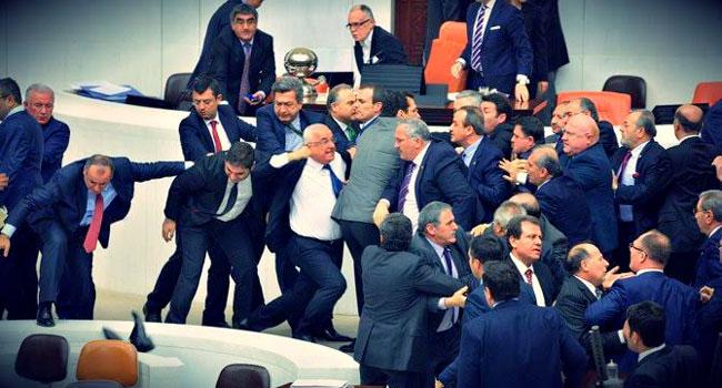 Hasan Cemal, 70 maddelik manifesto ile geri döndü!