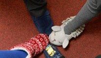 Çocukların okulda terlik giymeleri başarıyı artırmış