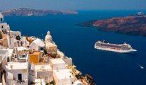 Yerli turist Yunanistan'a kaçtı...