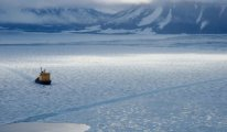 Kuzey Buz denizinde  kirlenme alarm veriyor