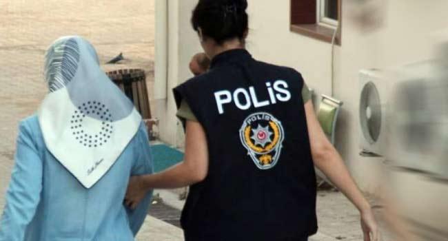 Eşi 26 aydır tutuklu 3 çocuk annesi gözaltına alındı, yüzde 81 engelli ikizler ortada kaldı