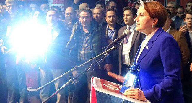 Meral Akşener'den 'yeni parti' buluşması