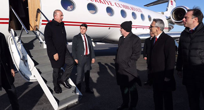 Dışişleri rahatsız: Çavuşoğlu eski büyükelçileri beğenmedi, atanan AKP'lileri övdü