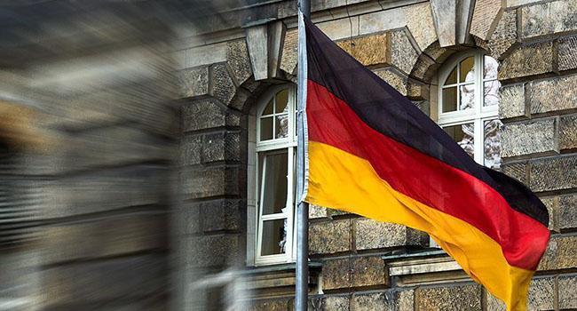 Merkel açıkladı: Almanya 10 bin göçmen alacak