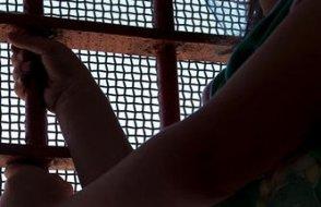 3 çocuk annesi öğretmen bayram öncesi tutuklandı