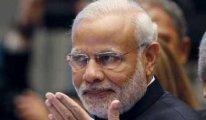 Pandemi yokmuş gibi miting yapan Hindistan lideri seçiminde yenilgiye uğradı