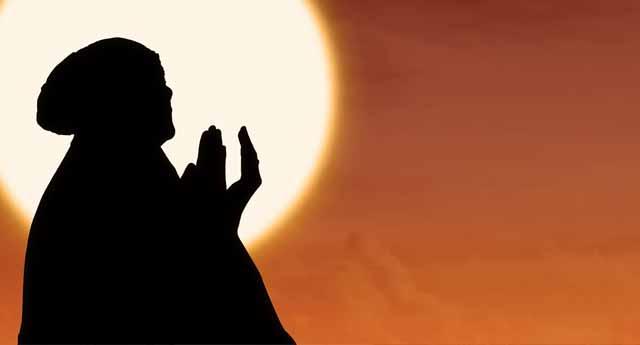 'Ey mağdurlar ve mazlumlar grubu, can-u gönülden sabırla dua ve ibadete sarılalım'
