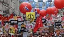 Yüzbinlerce AB yanlısı İngiliz referandum talebiyle sokaklara döküldü