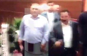 Yeni Sakarya valisi göreve İsmailağa üyelerinin 'tekbir şov'uyla başladı