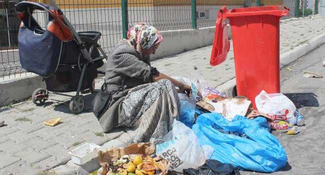 Sözde ekonomi büyümüş ama vatandaş fakirleşti