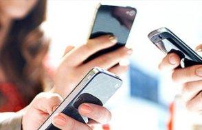Türk lirasının değer kaybı akıllı telefonları da vurdu