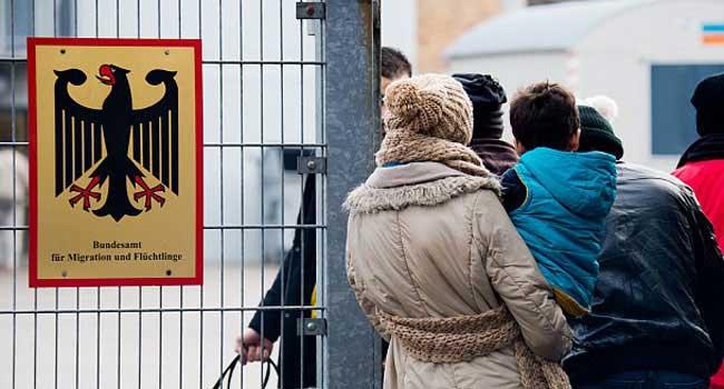 Almanya 'sınır dışı' kurallarını gevşetti...
