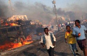 Somali'nin başkenti Mogadişu'da intihar saldırısı: Çok sayıda ölü var...