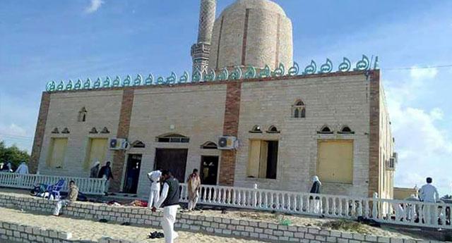 Mısır'da camiye bomba: 184 ölü