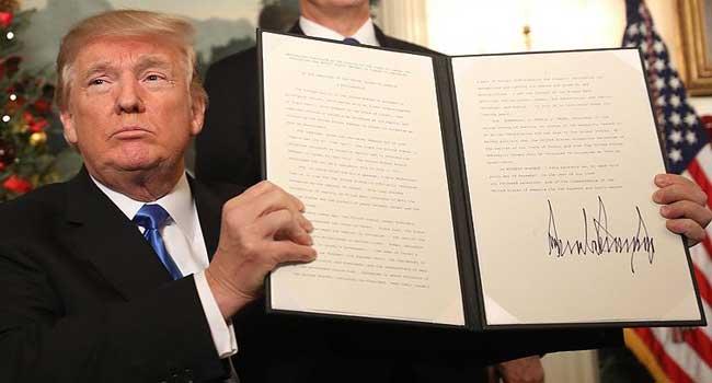 Trump tepki gören 'sıfır tolerans' uygulamasını iptal etti