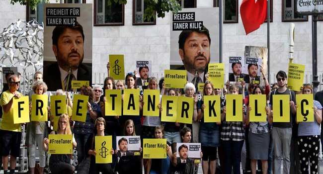 'Büyükada Davası'nda karar çıktı: Af Örgütü Türkiye Şubesi Başkanı Taner Kılıç'a hapis cezası verildi