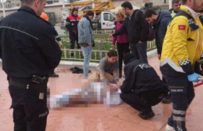 Taksim'de bir kişi kendini yaktı