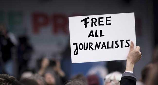 Türkiye'de 175 muhalif gazeteci cezaevinde