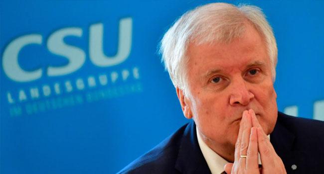 Seehofer, iltica başvurusu reddedilenlerin gözaltında tutulmasını istedi