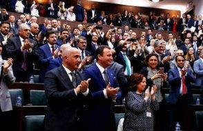 AKP'ye yakın anketçiden flaş iddia: Gül aday olursa 50 AKP'li vekil istifa edip, SP'ye geçecek