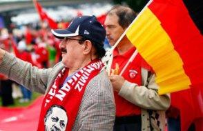 Almanya'da 'AKP propagandası için gelirlerse önlem alınsın' talebi