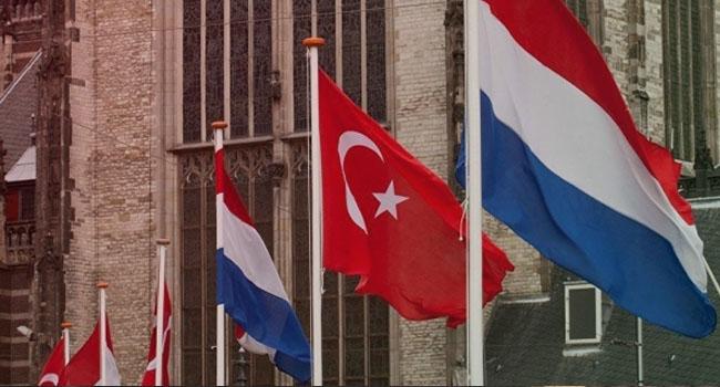 Hollanda göçle gelecek Türk vatandaşlarına uyumu sınavını getirmeyi planlıyor