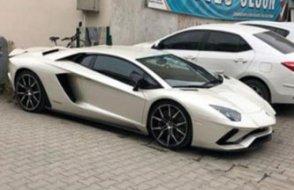 'Yerli ve Milli Parti'nin adayı toplantıya Lamborghini ile geldi