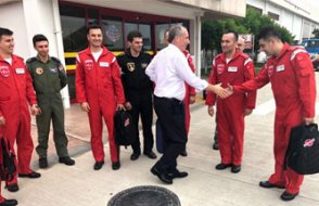 İnce Solo Türk'ü ziyaret etti, Genelkurmay gösteri ekibinin bütün uçuşlarını iptal etti