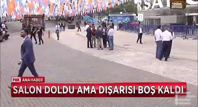 Erdoğan salonun dışı boş olunca konuşma yapmaktan vazgeçti