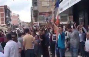 İzmir'de AKP ve MHP'li grup, CHP'lilerin mitinginden çıkanlara sataştı