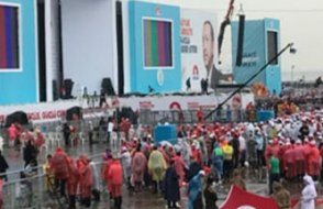 Yenikapı boş kalınca AKP'liler panik oldu....