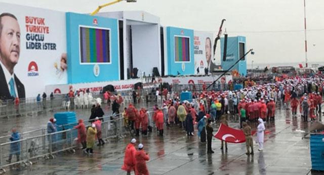 İktidar yanlısı gazeteciden AKP'ye Yenikapı sitemi!