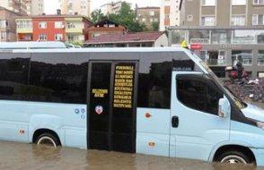 İstanbul hangi hale geldi... 15 Dakika yağmur yetti...