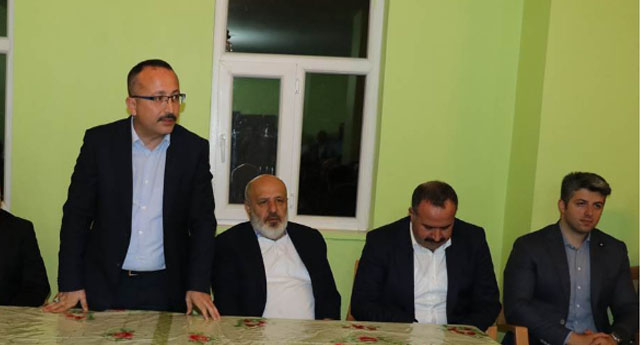Devtetin Valisi ile Erdoğan'ı seven iş adamı oy için helikopter ile köyleri dolaşıyor...
