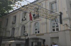 Mimar Sinan Üniversitesi'ne ünlü kampüsü beş günde boşalt yazısı