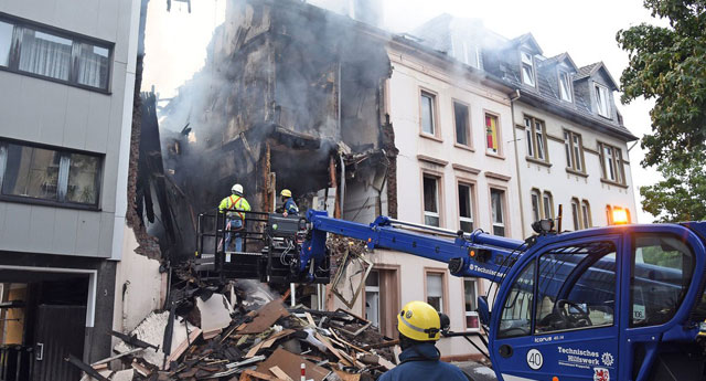 Almanya Wuppertal'de binada patlama: 25 yaralı