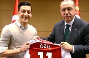 Mesut Özil o fotoğrafı savundu, Alman Milli Takımı'nı bıraktı