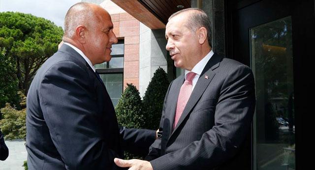 'Mülteci anlaşması sebebiyle Türkiye ile yakınız ancak AB'ye üye olamazlar'