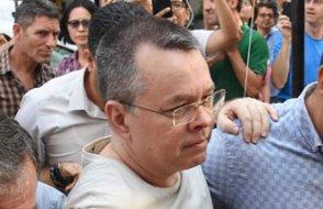 AKP'ye yakın yazar işareti verdi... AKP Brunson'u göndermenin yolunu arıyor