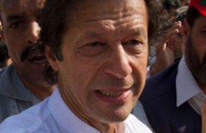 Pakistan'da İmran Han yemin ederek başbakanlık görevine başladı