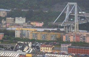 İtalya'da köprü çöktü: 26 ölü