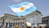 Arjantin'de binlerce kişi sokakta